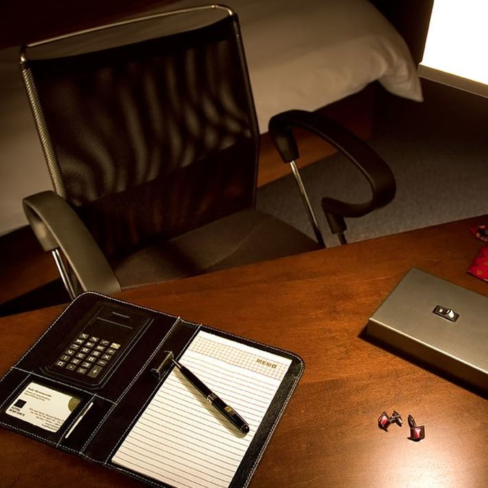 Hotel Ruby Foo's In-Room Desk